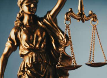 """Asociaţia Forumul Judecătorilor din România, Asociația Mișcarea pentru Apărarea Statutului Procurorilor și Asociația Inițiativa pentru Justiție: """"Solicităm Ministerului Afacerilor Externe să se implice în continuare pentru salvarea judecătorilor și procurorilor afgani a căror viață este pusă în pericol. Nu lăsați să fie vânați și uciși cu cruzime oameni nevinovați!"""""""